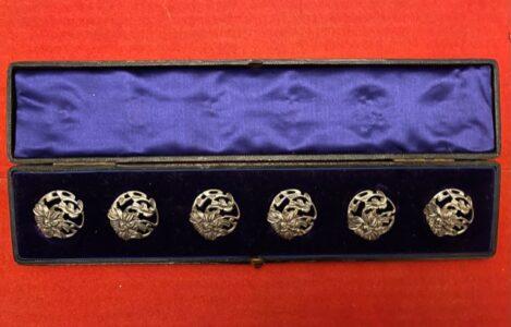Set of 6 art nouveau silver buttons in original case